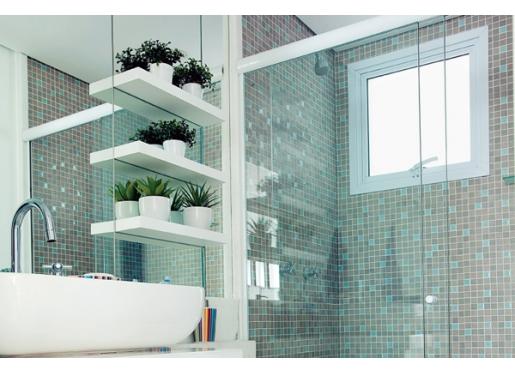 Soluções para apartamentos pequenos  Apê em Decoração -> Banheiro Pequeno Onde Colocar A Lixeira
