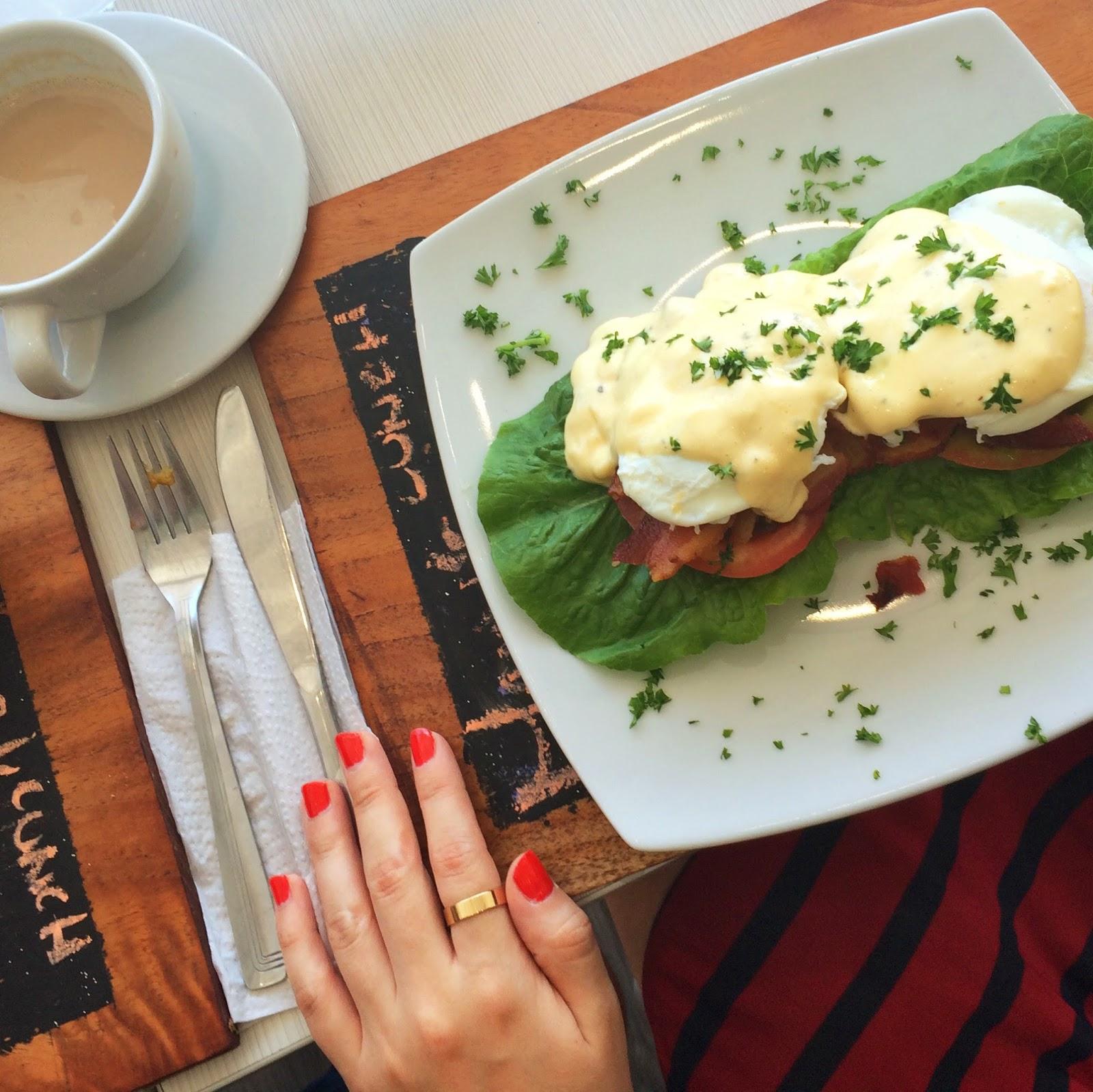 Eggs Benedict, Panama Food