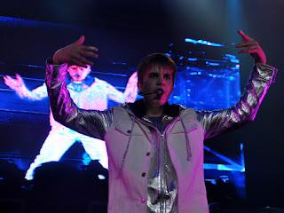 Foto Konser Justin Bieber Di SICC Sentul Indonesia