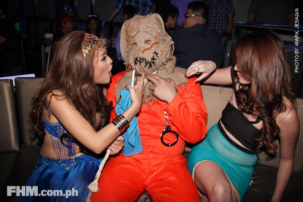 bangs garcia and danita paner kissing a scarecrow at 2013 fhm halloween ball 01
