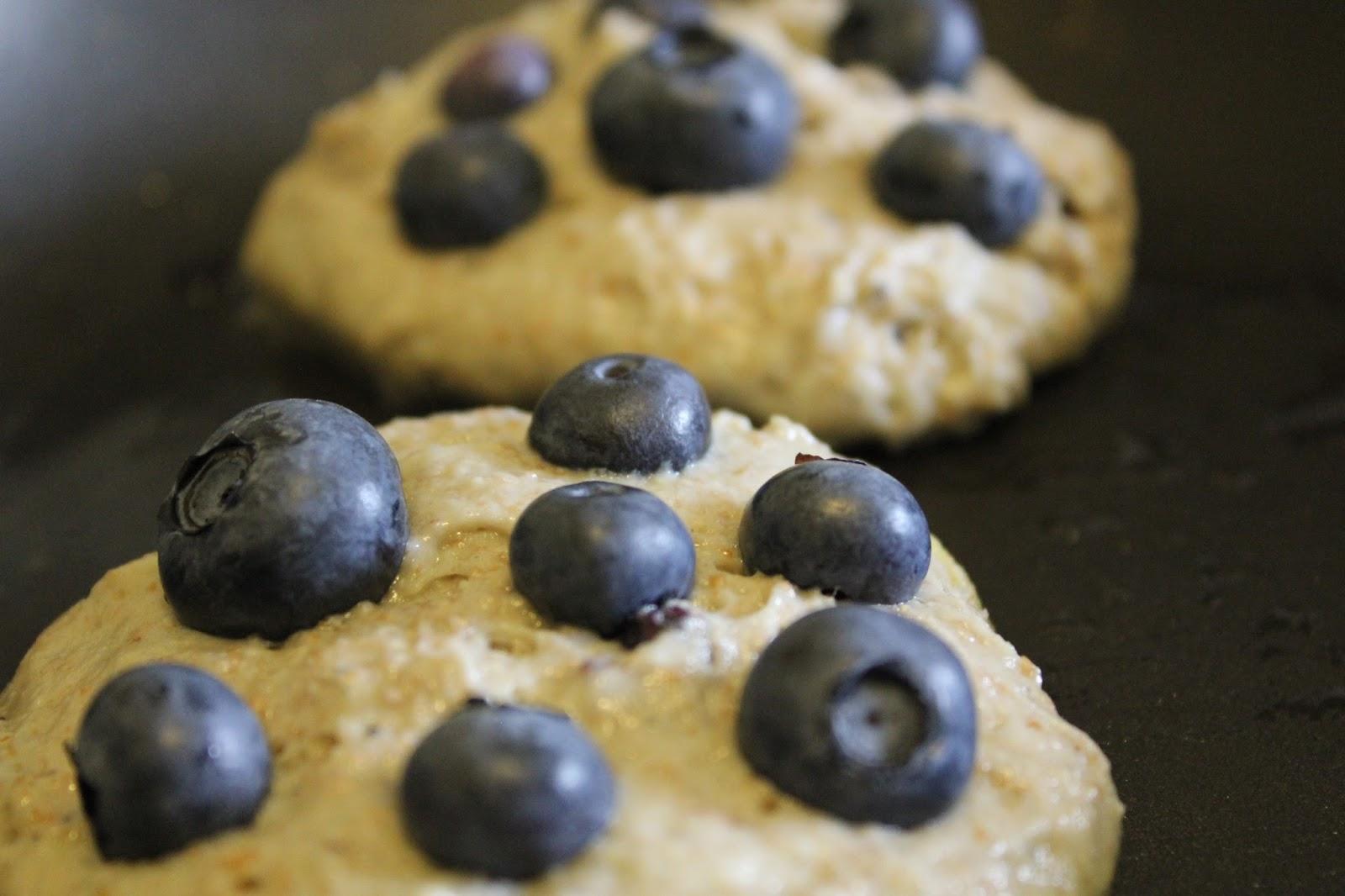 Cookie Therapy: Blueberry Yogurt Multigrain Pancakes