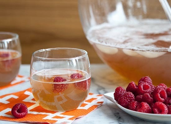 http://www.foodiecrush.com/2011/12/new-year-champagne-punch/