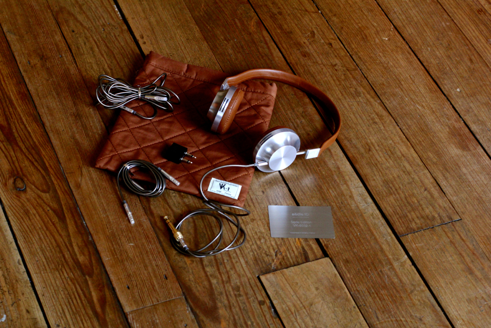 BLOG-Mode-HOMME_Preppy-made-in-france_aedle-headphone-casque-audio-technologie_haut-de-gamme_paris_dries-van-noten_asos-chemise-chino-interieur_armoire-acajou