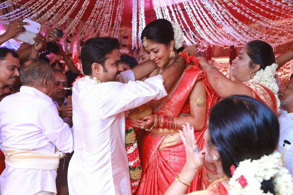 Coogled Actress Amala Paul And Director A L Vijay