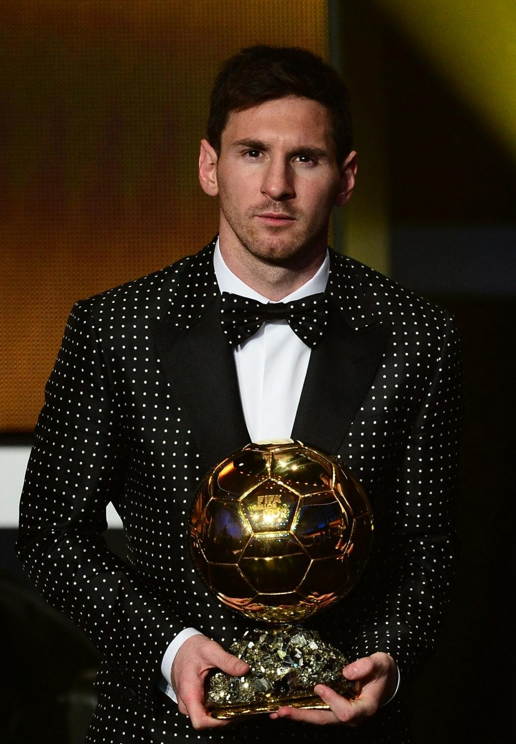 00O00 London Menswear Blog Lionel Messi in Dolce Gabbana - FIFA Ballon d'Or Gala 2012