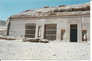 معبد الملك حور محب بجبل السلسلة غرب (بحث أثرى) كامل