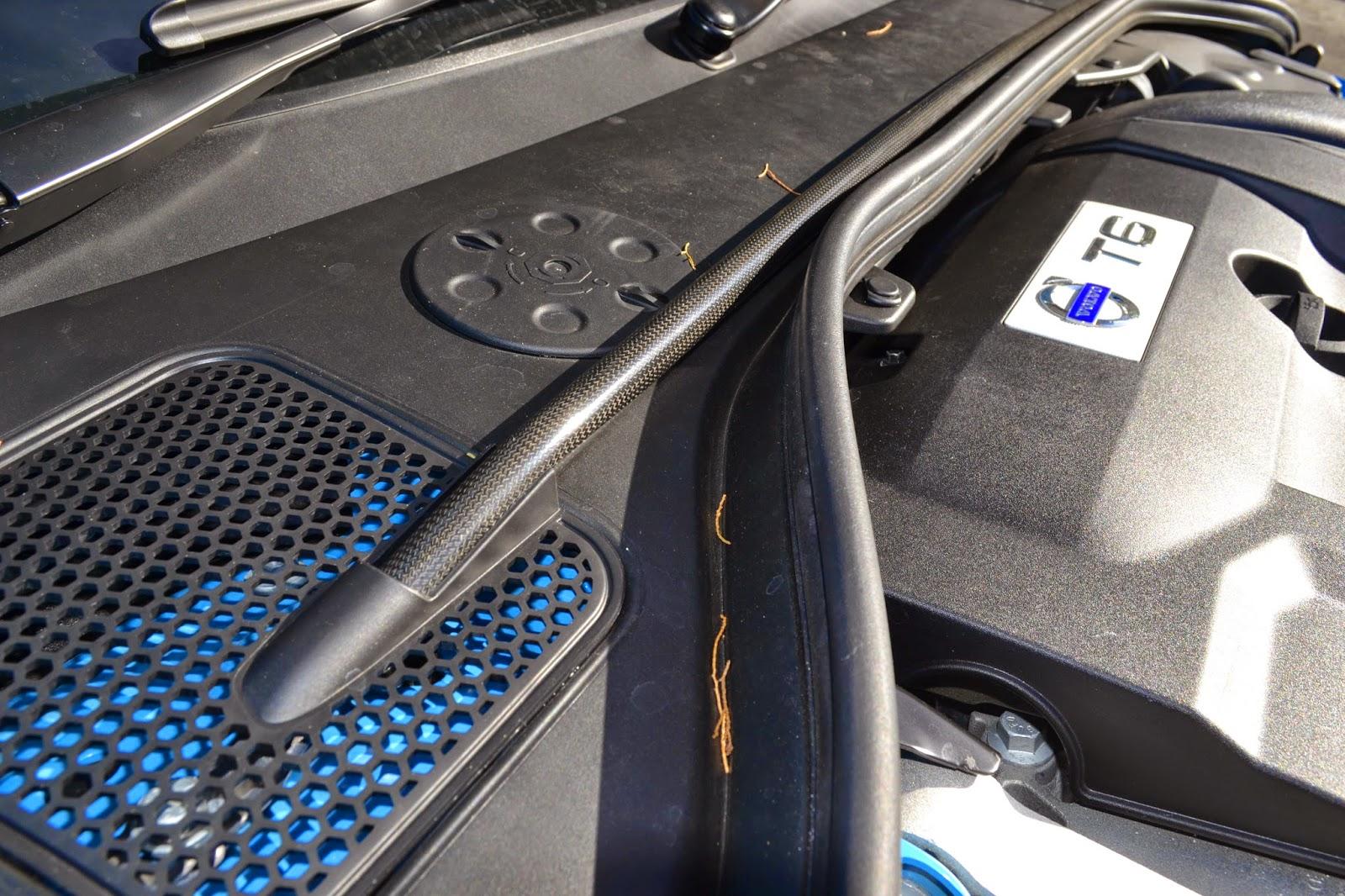 A closer look at the carbon fibre strut brace