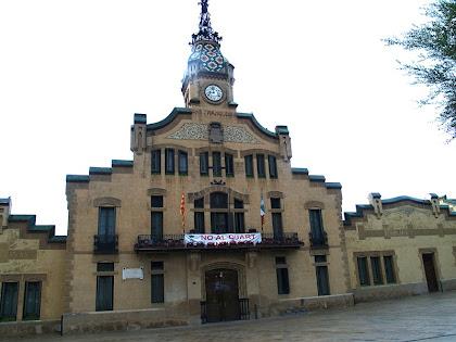 Façana principal de l'Ajuntament de les Franqueses