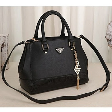 PRADA BAG - BLACK