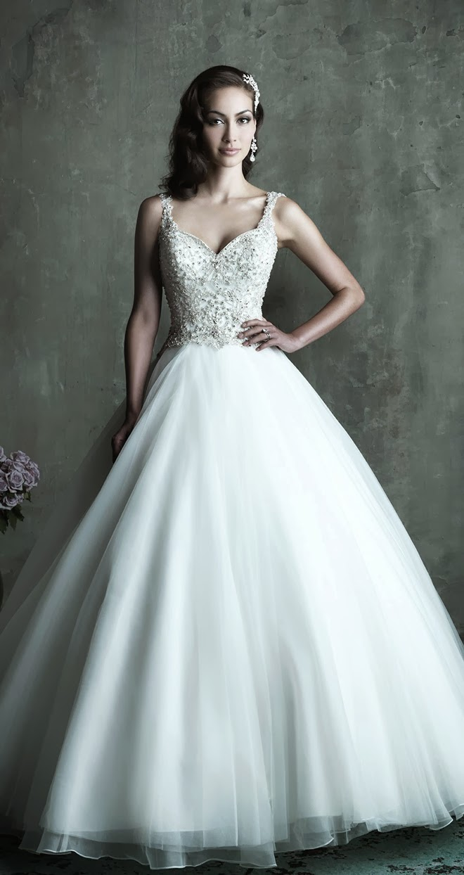 Wedding Dresses With Dramatic Backs 26 Great This all over lace