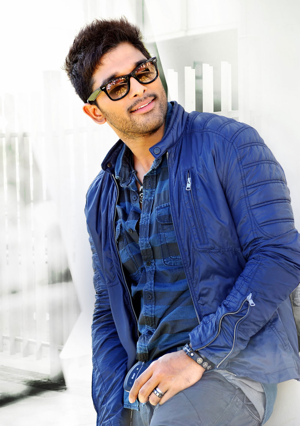 Allu Arjun S Iddarammayilatho Movie New Stills