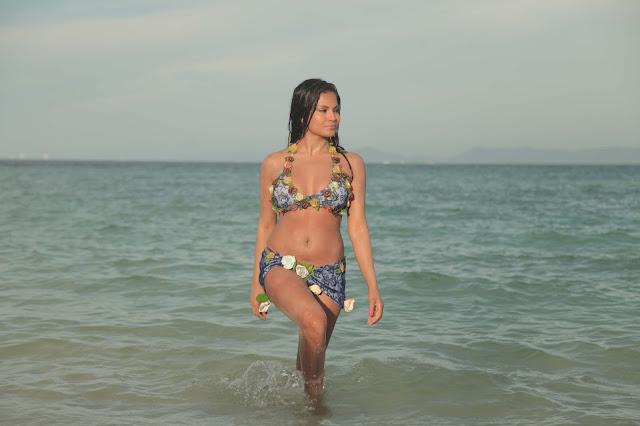 veena malik hot bikini thailand