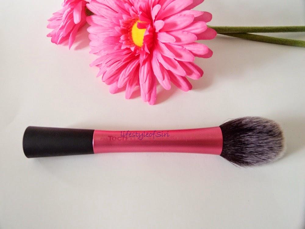 Real Tecniques allık fırçası- Blush Brush