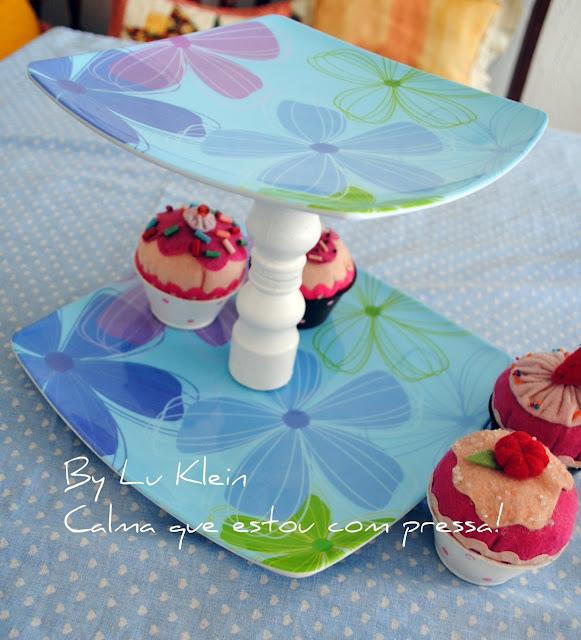 Artesanato Feito Com Juta Passo A Passo ~  PRATO DE DOIS ANDARES PARA CUP CAKES ! COM TUTORIAL! CALMA, QUE ESTOU COM PRESSA!!!