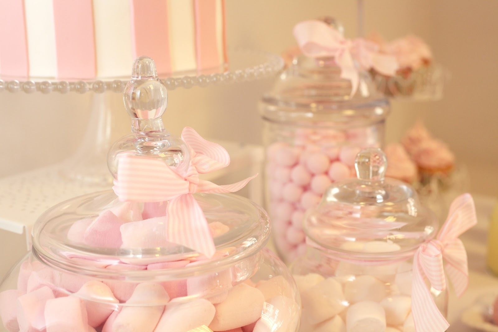 Como hacer una candy bar mar a mirabelli party design for Centros de mesa con chuches