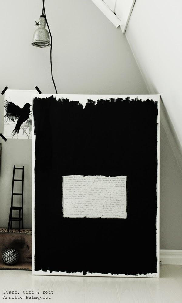 svart och vit tavla, inspirerad av yoko ono, skriva på tavla, quote moods, quotes, arbetsrum, ateljé, måla tavla, handmålad tavla, tavlor, artprint, svart fågel, prints, poster, posters, svartvitt, svartvita, svart, svarta, vitt, vita, hängande lampa i krok, bygglampa,