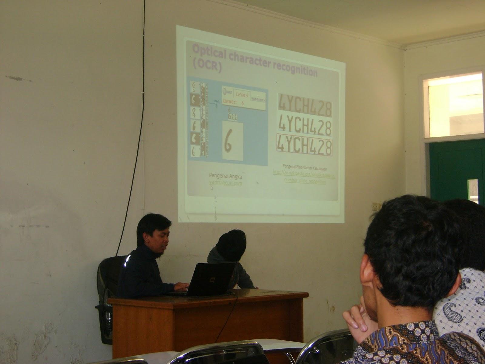 Seminar Nasional dan Workshop Robot Kontrol Digital di UIN