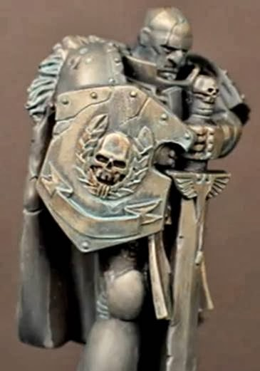 Estatua bronce de Warhammer 40000