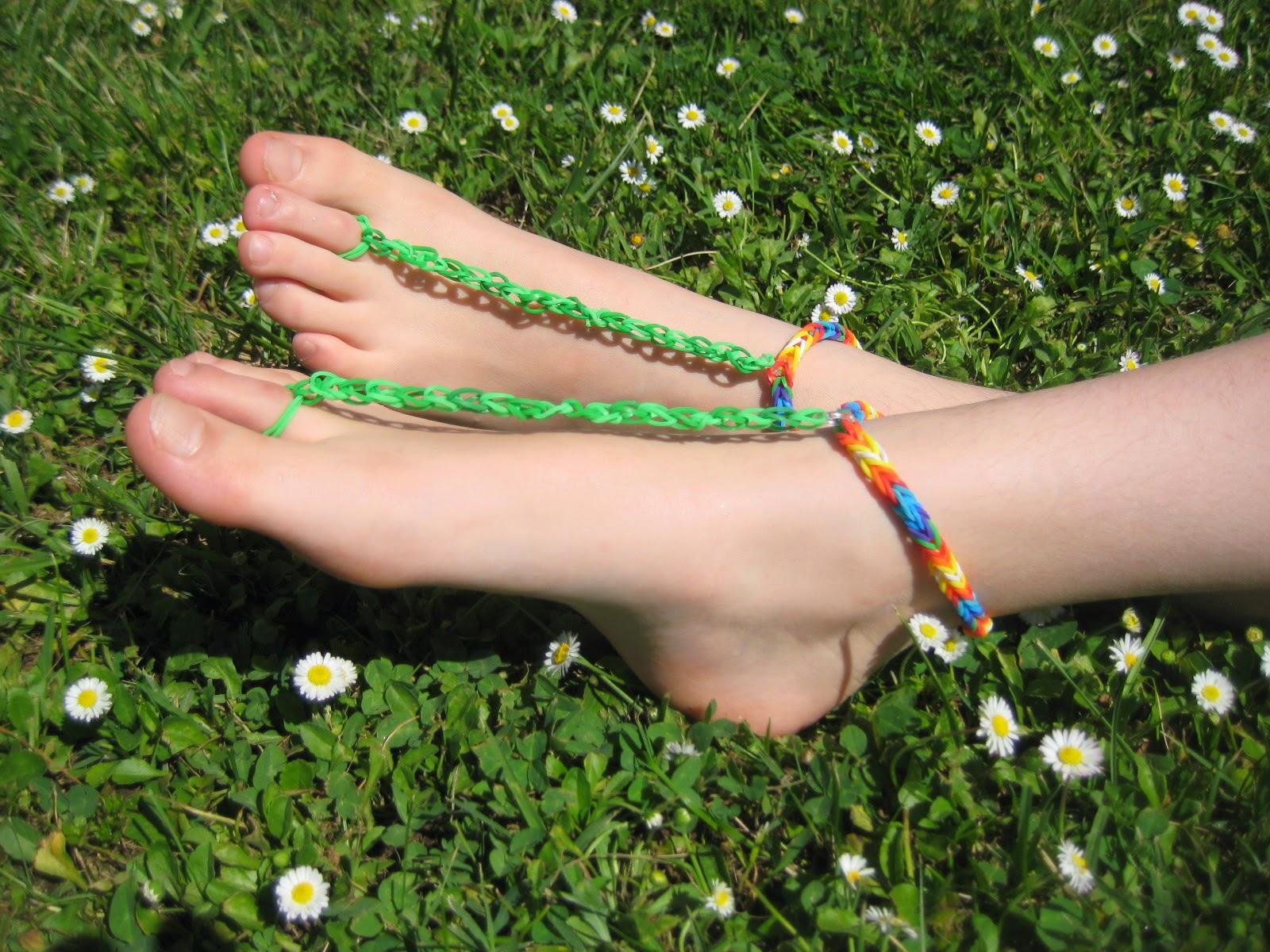 Maman je sais pas quoi faire nu pieds en lastiques rainbow - Comment faire des bracelets en elastique ...