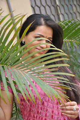 reshma new saree unseen pics