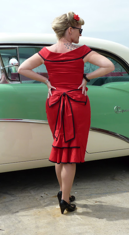 red pin-up fishtail skirt with matching bow