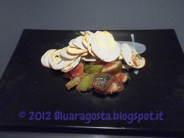 Ovoli con insalata di fichi freschi