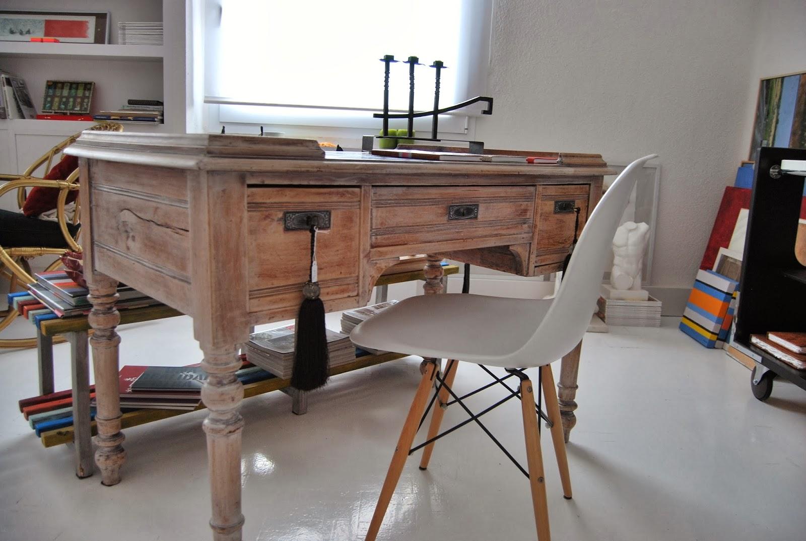 Concepto re mesa de despacho de estilo franc s for Despacho estilo industrial