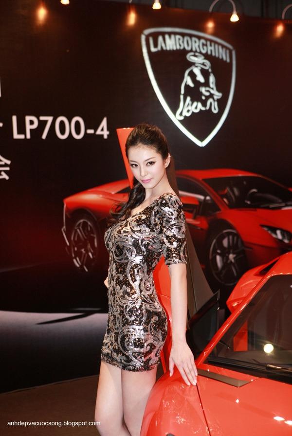 Ảnh người đẹp và siêu xe Lamborghini