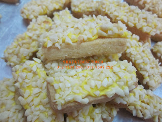 almond cookies - best, yummy bakal popular 2013reallyhehhe