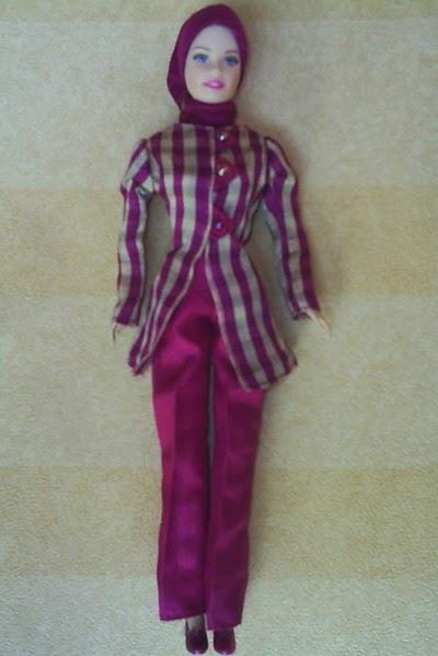 Gambar boneka barbie muslim untuk anak gratis