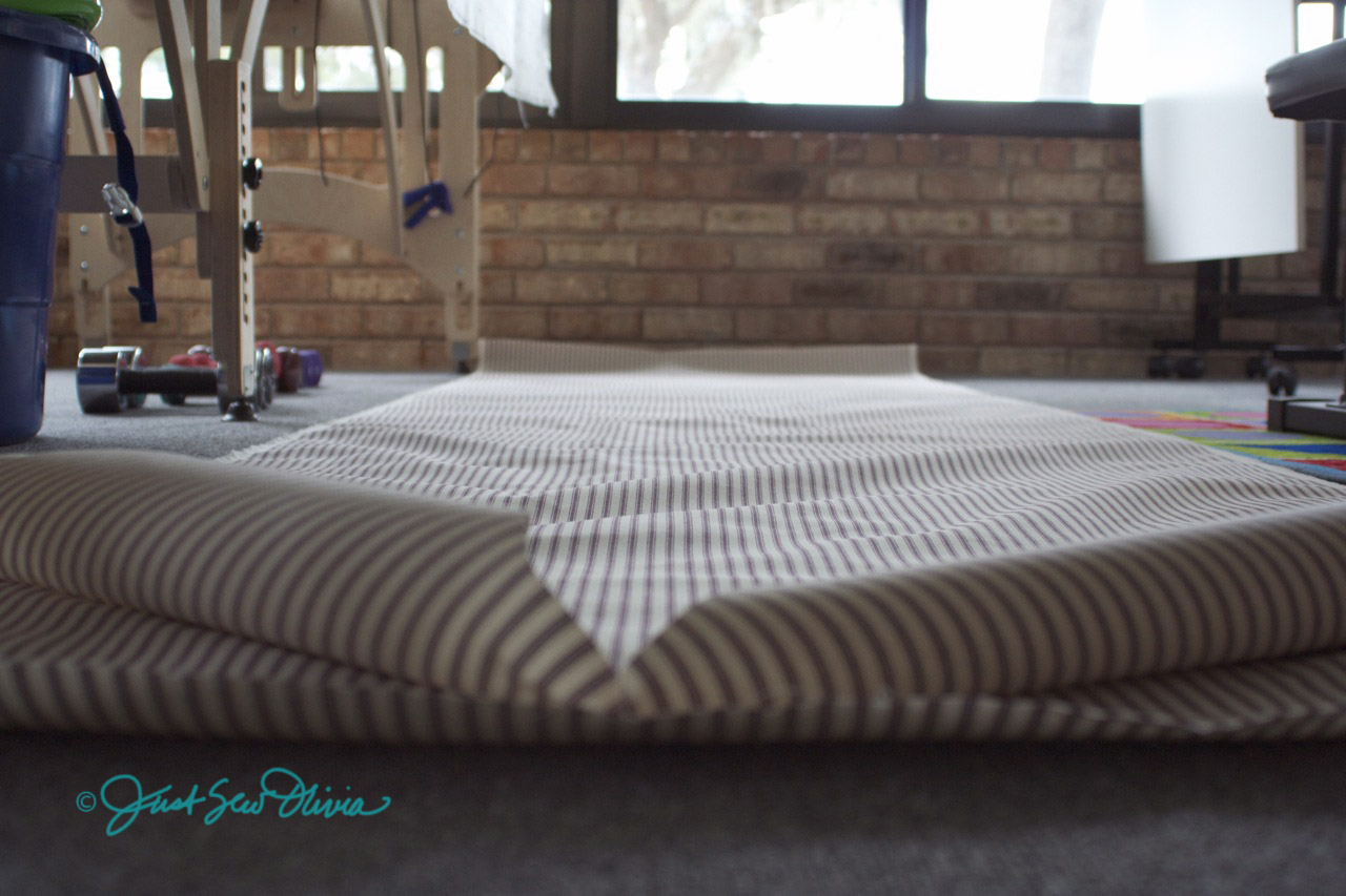 JustSewOlivia: Tutorial: Fabric Leaders for a Long Arm Quilting Frame