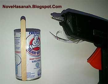 cara membuat kerajinan tangan dari limbah dan sampah kulit jagung stik es krim dan kaleng aluminium bekas berbentuk tempat pensil yang cantik