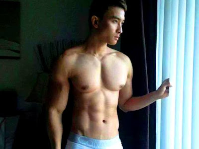 gay model muscle indonesia sixpack