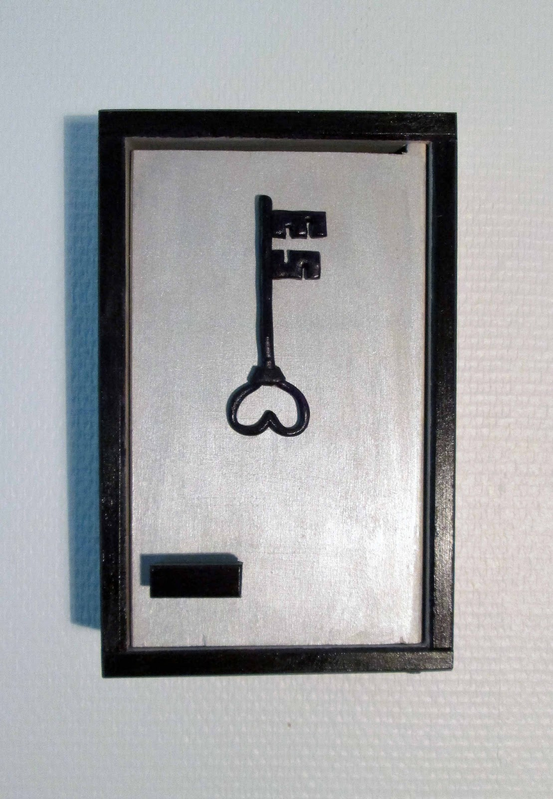 decomanny bo te clefs violette et argent e. Black Bedroom Furniture Sets. Home Design Ideas