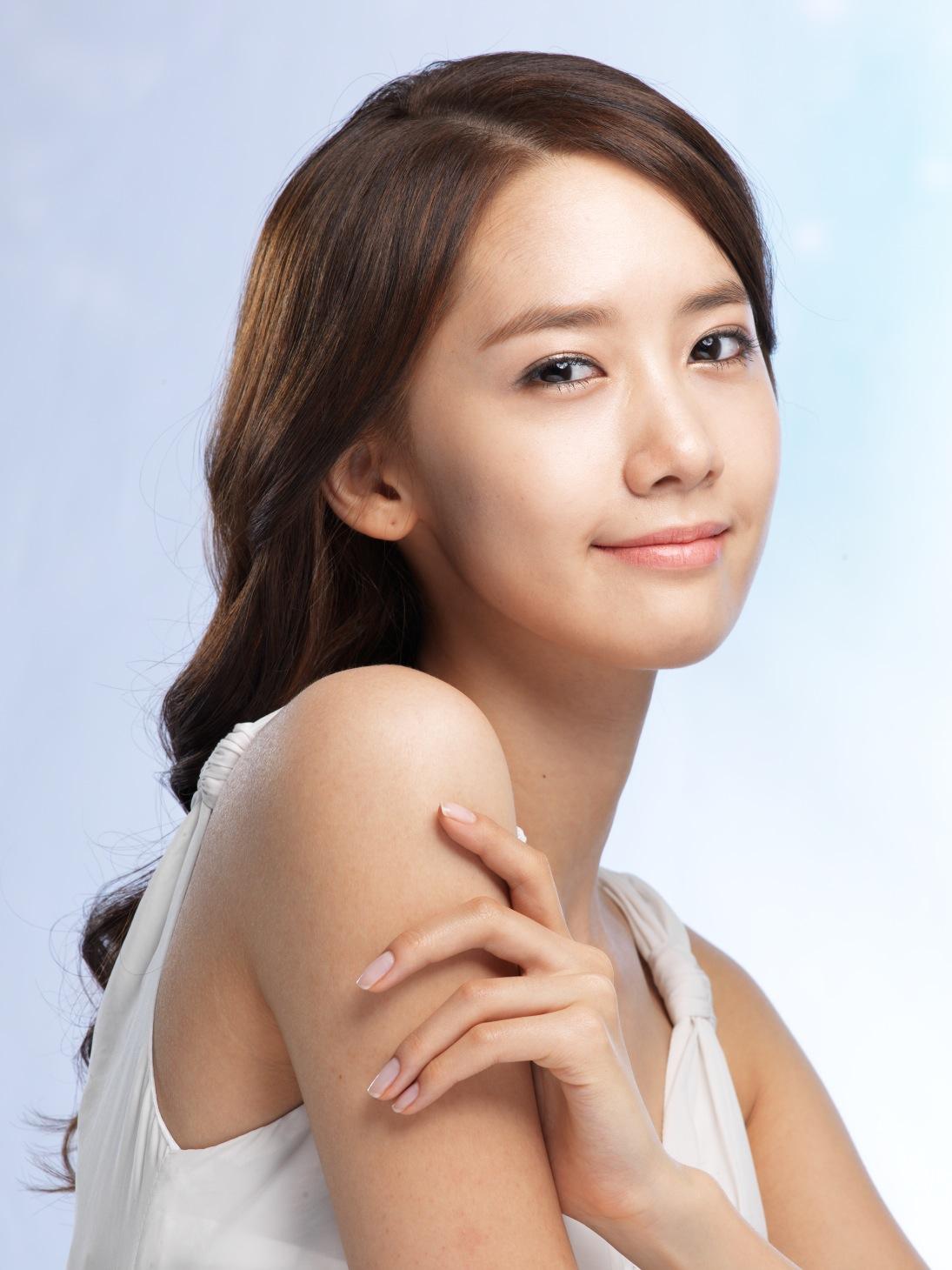 http://2.bp.blogspot.com/-oTAUvhfB59U/T9BM8FvdkJI/AAAAAAAAA_k/l-bwXlQzgHI/s1600/SNSD+Yoona+Innisfree+(1).jpg