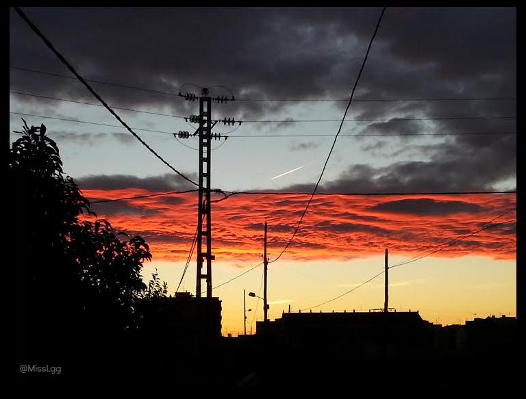 amanecer en Valencia L'horta valenciana cielo de contrastes narajnas, amarillos
