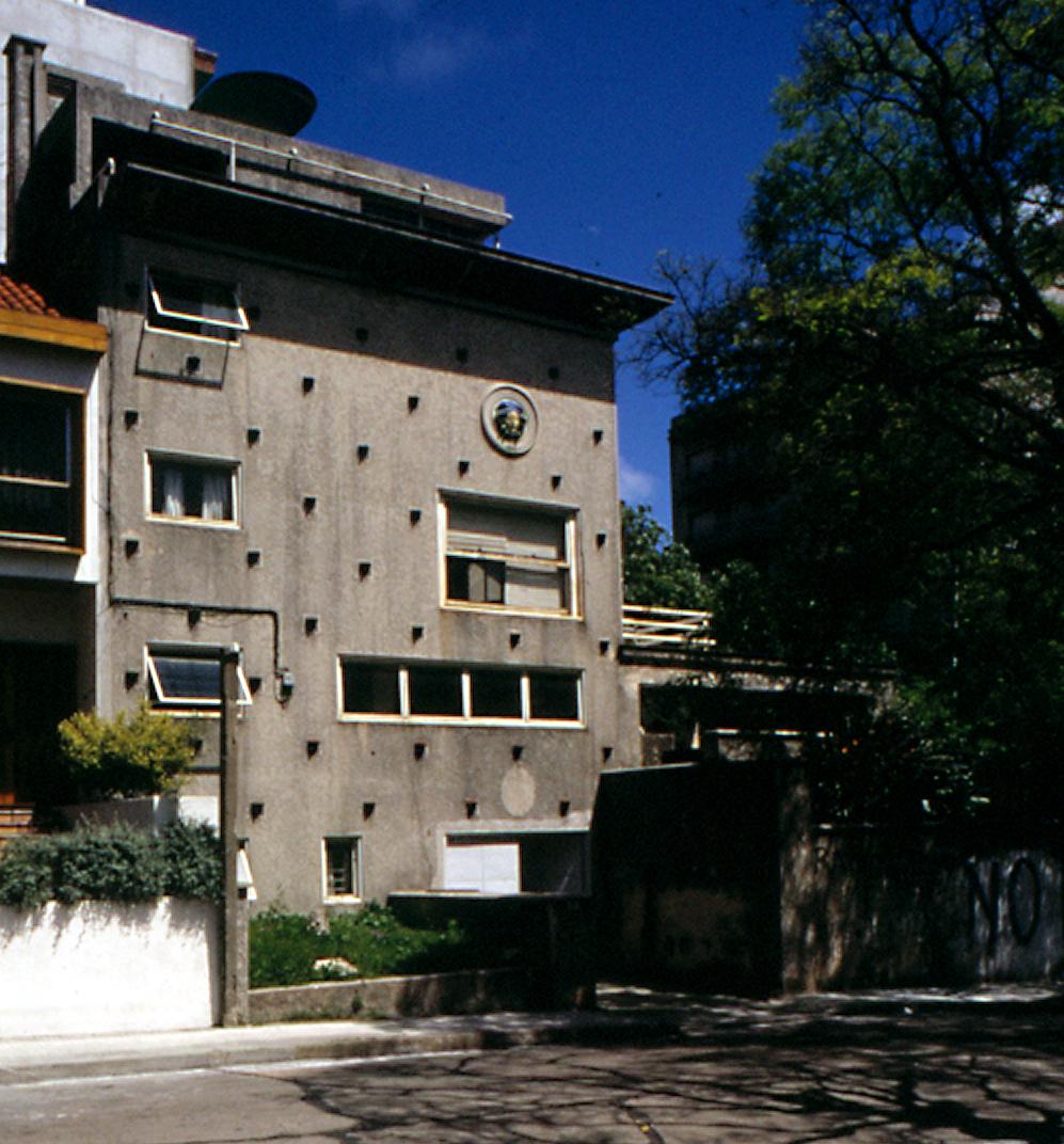 Architettura co la casa di julio vilamaj for Piani di casa di architettura