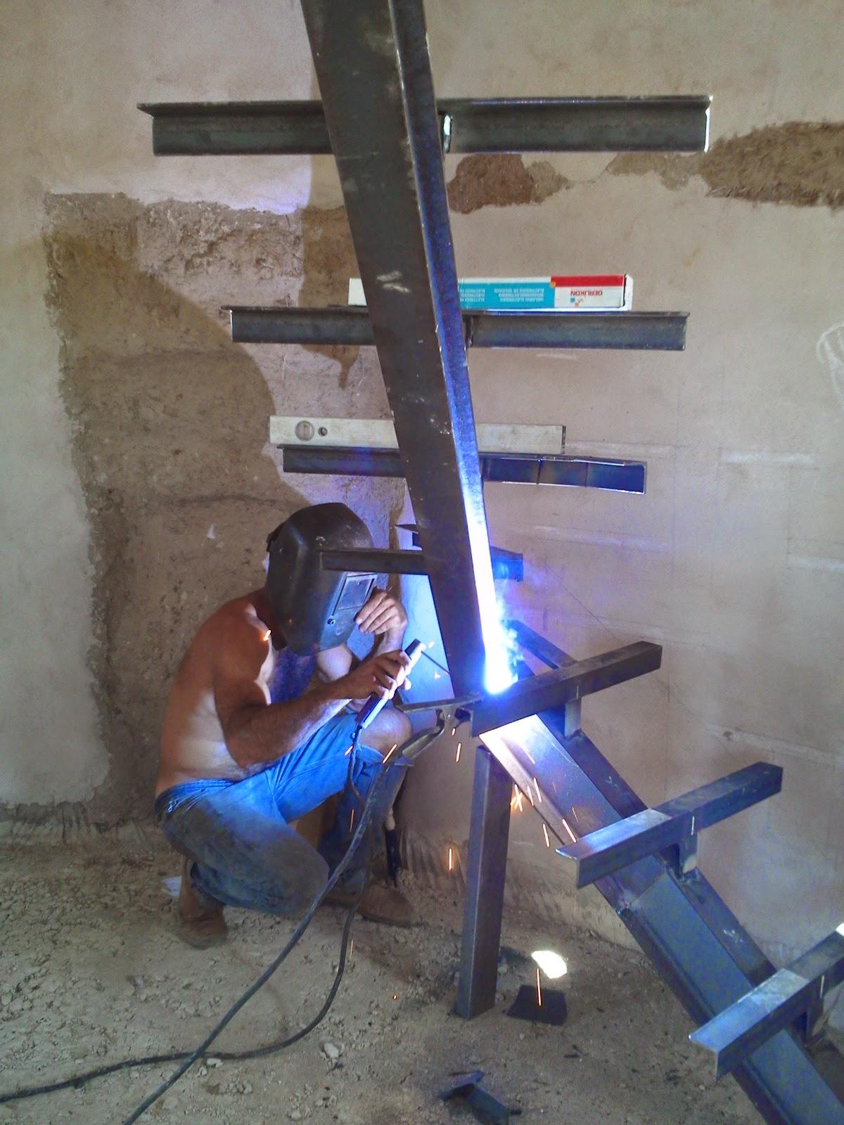 Una escalera a medida for Planos de escaleras de hierro
