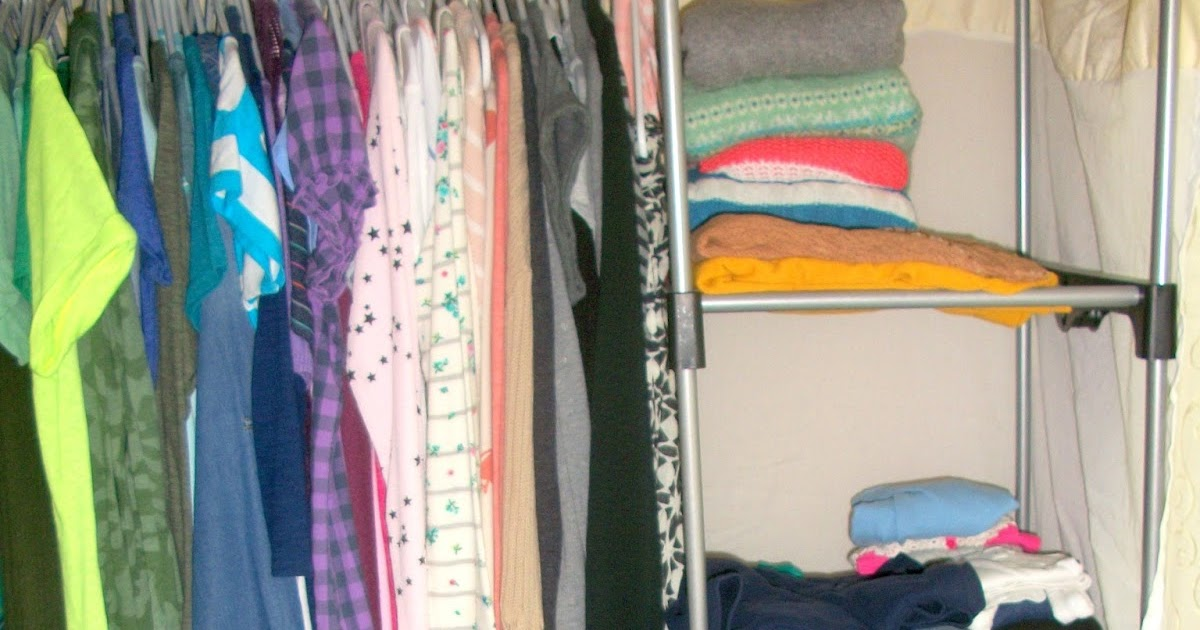 My random blog dorm closet organization space saving tips - Space saving tips for your dorm room ...