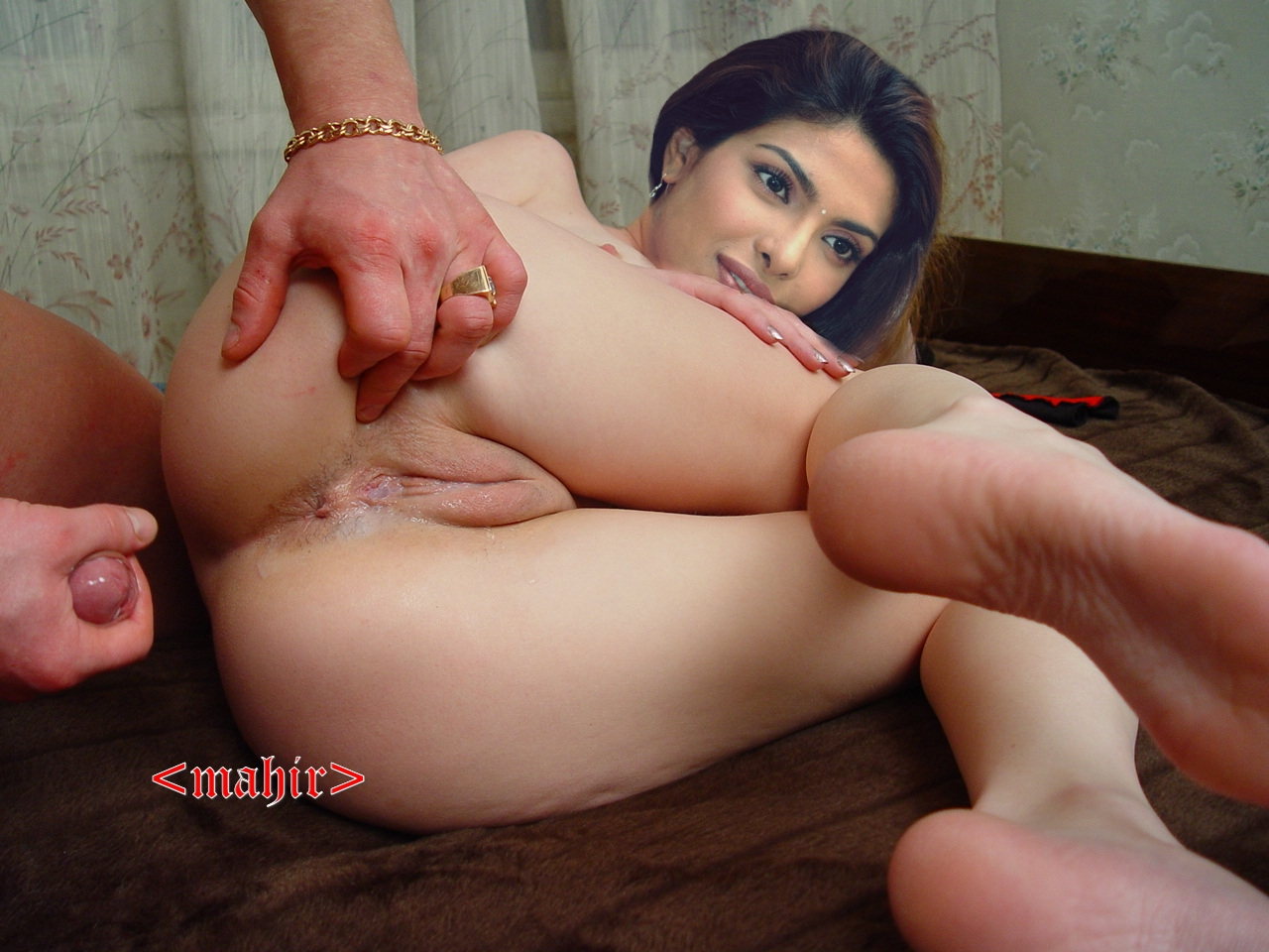 Naked priyanka chopra giving blowjob