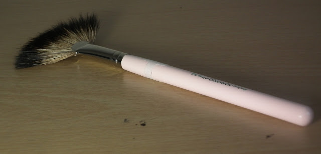 The Vintage Cosmetic Company Fan Tail Brush Reviews