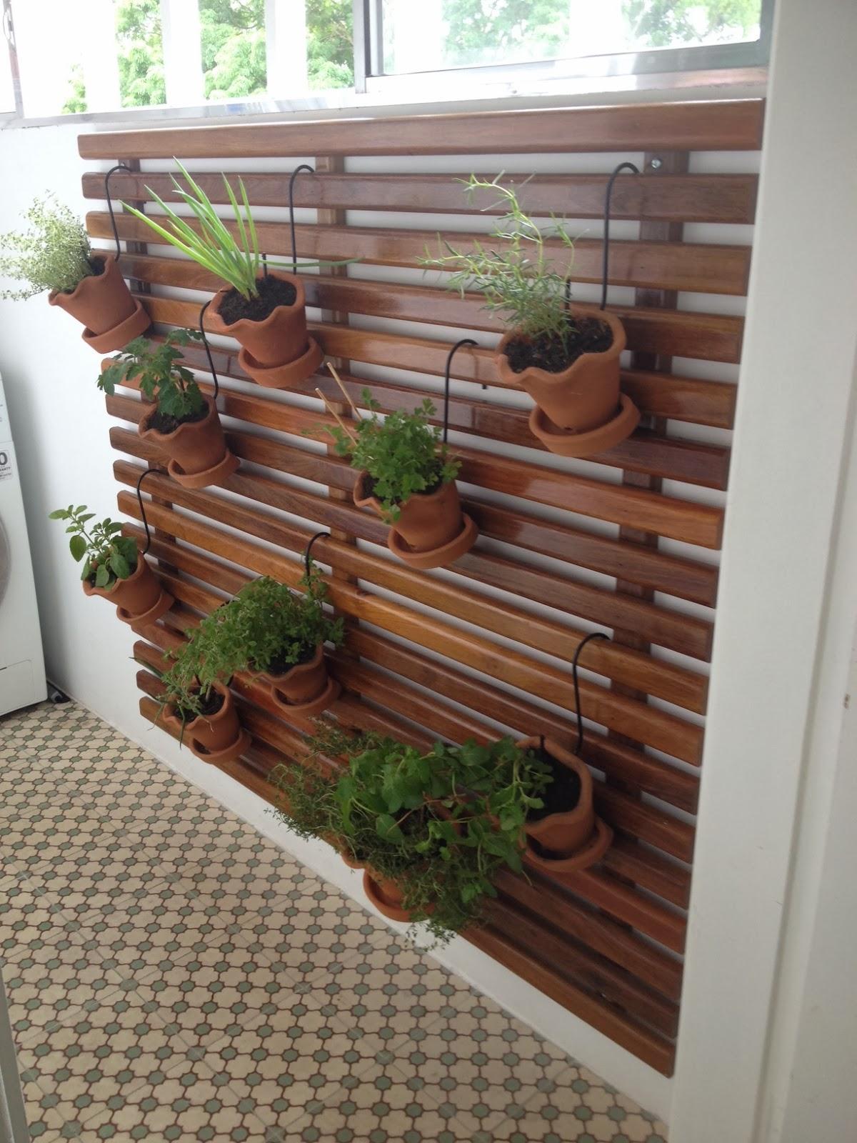 Dicas para fazer painel de madeira para jardim vertical este painel  #674333 1200x1600