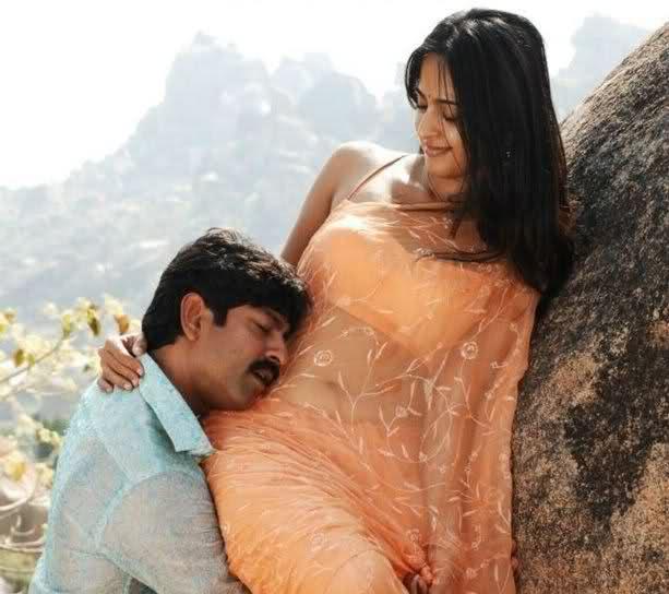 Telugu actress Anushka Navel show