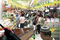 Semakin tinggi pendapatan konsumen, konsumsi cenderung semakin besar pula.