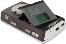Tips Tetap Bisa Gunakan Handphone Yang Baterainya Habis