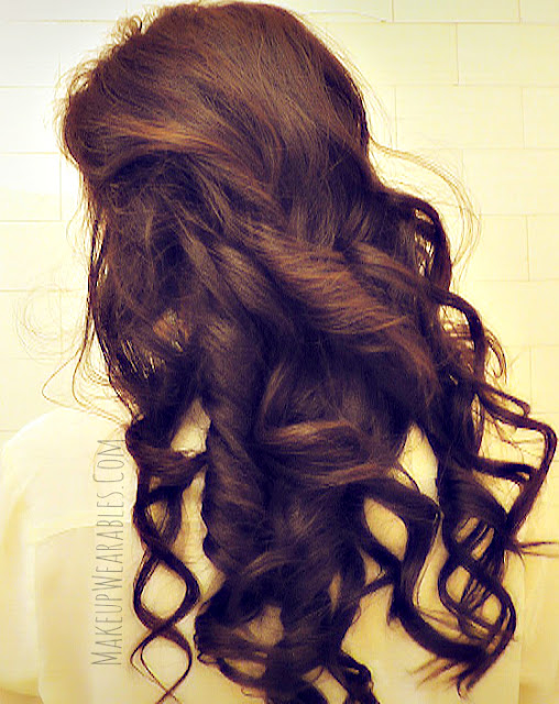 How to curl your hair guide to get Kim Kardashian long hairstyles tutorial for prom or wedding