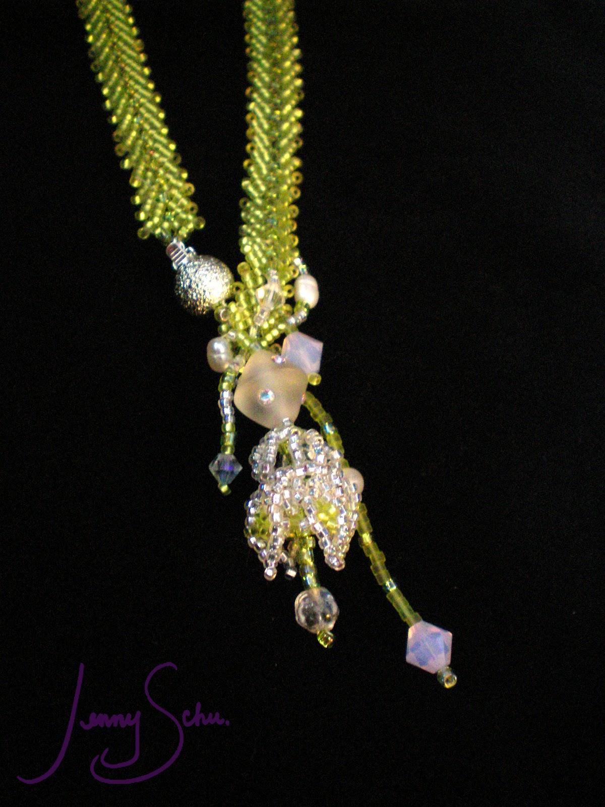 http://2.bp.blogspot.com/-oUjHr6_tW_k/TzFFlmebjCI/AAAAAAAAB_Q/YMkxLXS01jo/s1600/Lime%2BGreen%2BNecklace_on%2Bblack_Jenny%2BSchu.jpg