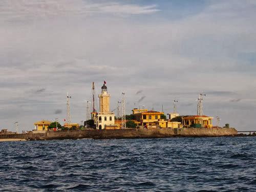 Đảo An Bang nhìn từ xa (ảnh Lan Phương)