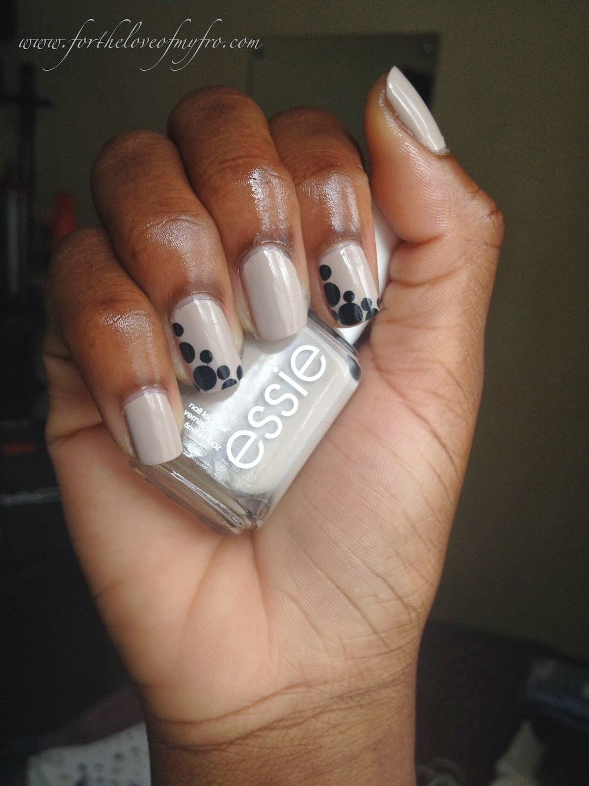 Nude Nails + Polkadots | For The Love of My \'Fro