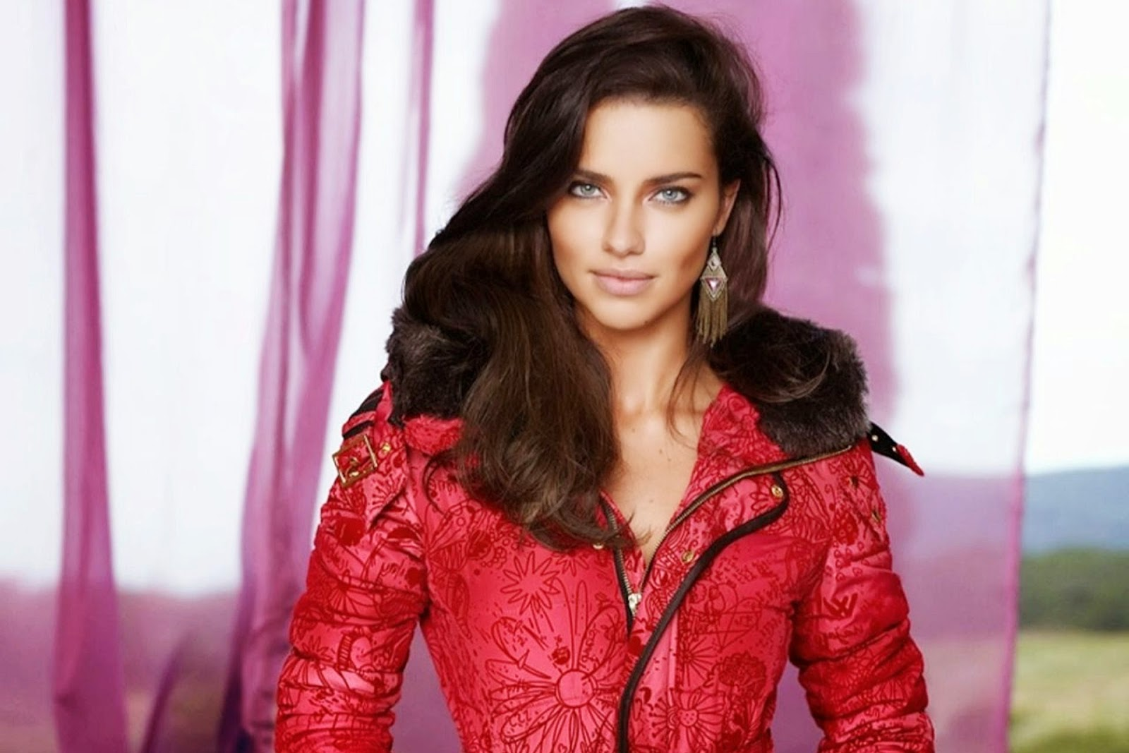 Adriana Lima Hd Wallpapers Free Download